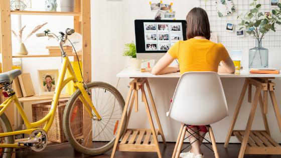 Minimizează elementele care îți distrag atenția de la muncă
