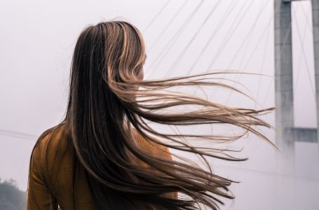 Cum să  îți menții părul lung și sănătos