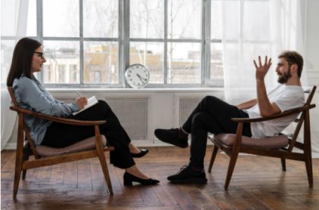Când şi de ce este necesară intervenţia unui psiholog online
