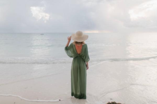 Ce material alegi pentru rochia de plajă?