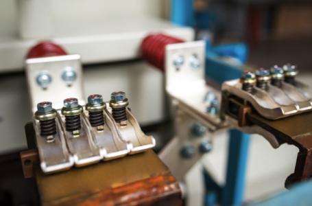 Câte tipuri de conectori metalici pentru lemn există?