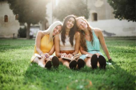 5 modele de adidasi potriviti pentru tinutele de vara