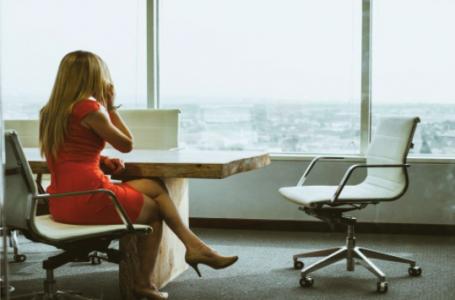 Cum sa te imbraci elegant dar potrivit pentru birou